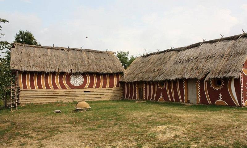 Старинные дома в селе Легедзино